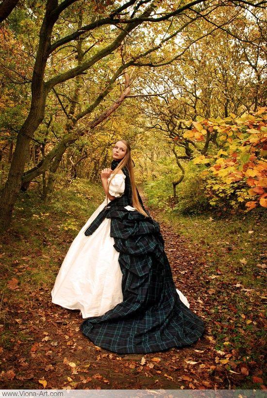 Scottish wedding dress with clan tartan scottish for Scottish wedding dresses with tartan