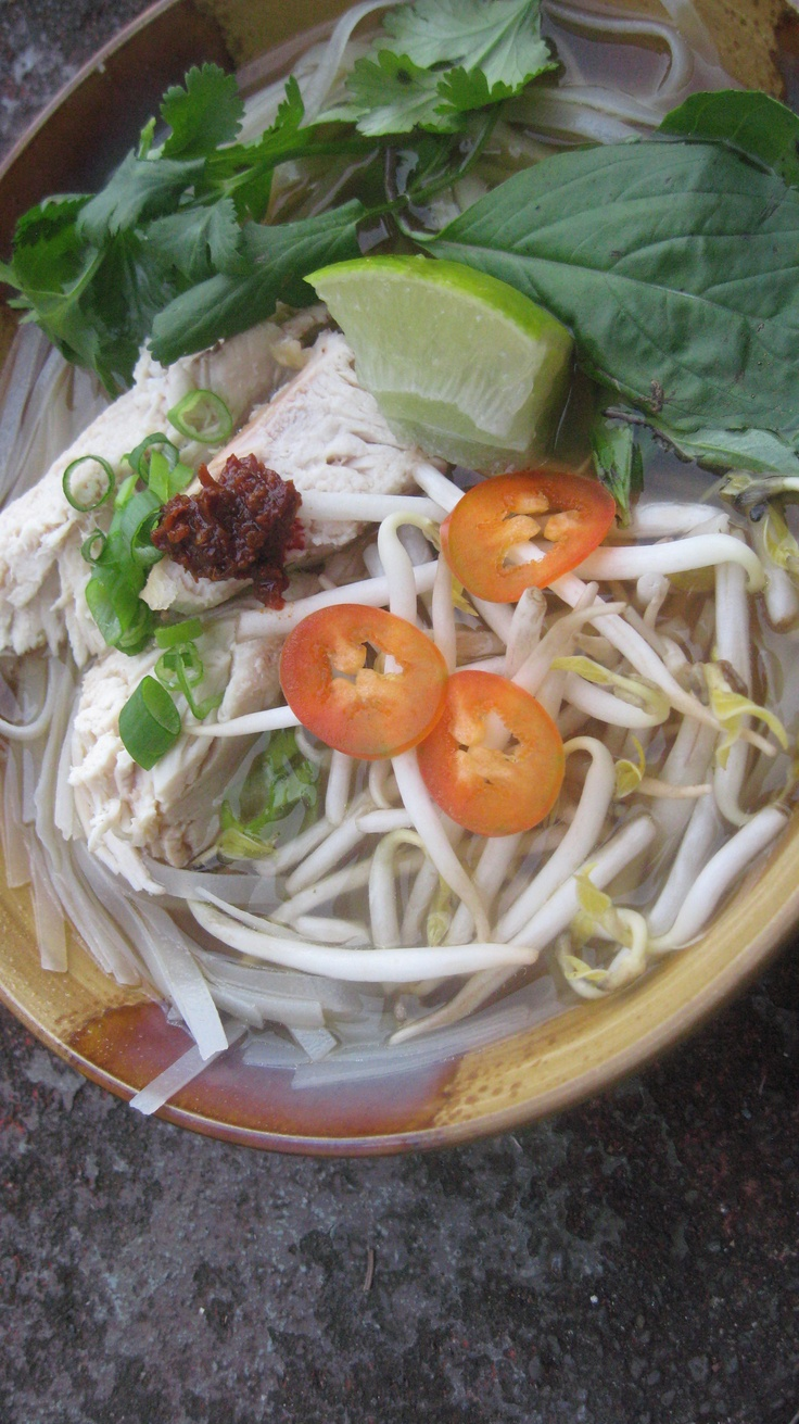 Pho Ga (Vietnamese chicken noodle soup) | Cooking | Pinterest