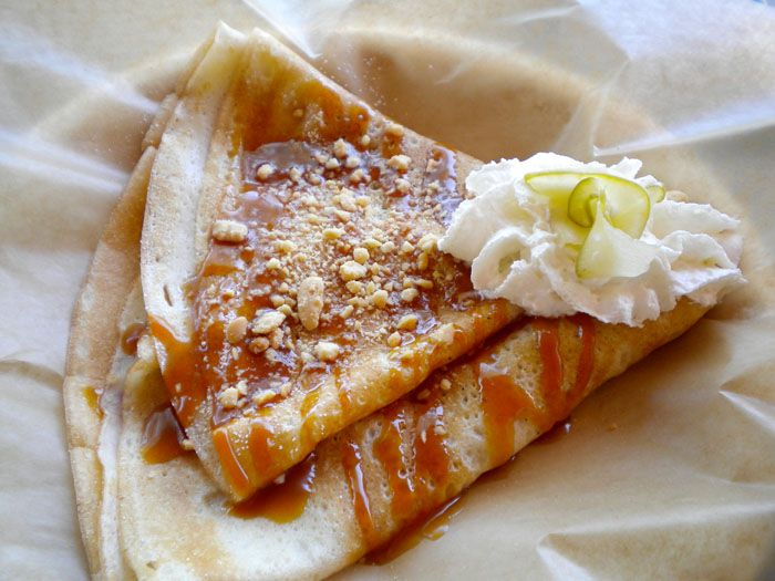 Delicious caramel and apple crepes