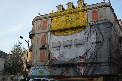 Beautiful graffiti on an abandoned building in Lisboa