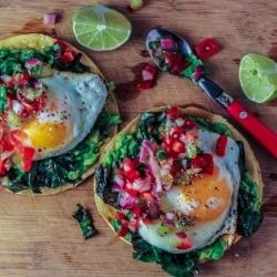 Tostadas with avocado, kale, egg and kiwifruit salsa {recipe}
