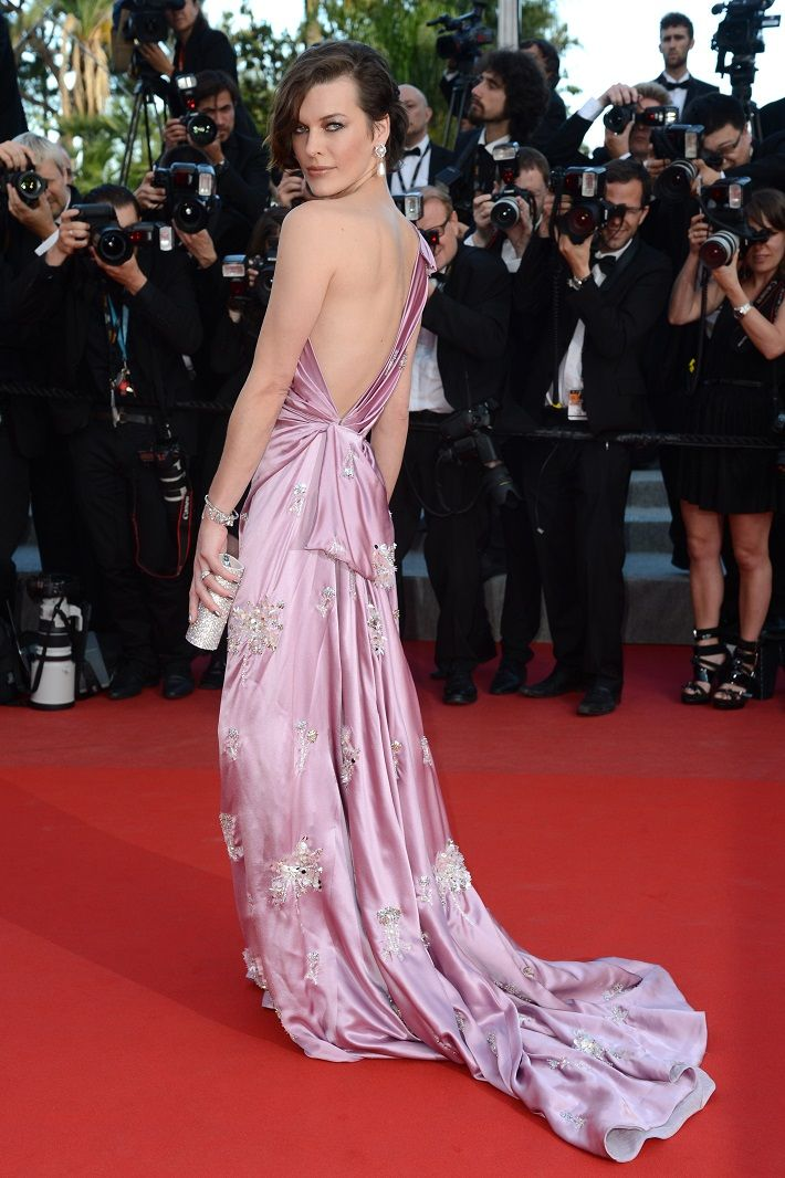 gorgeous model Milla Jovovich red carpet - Radiant Orchid #Runway