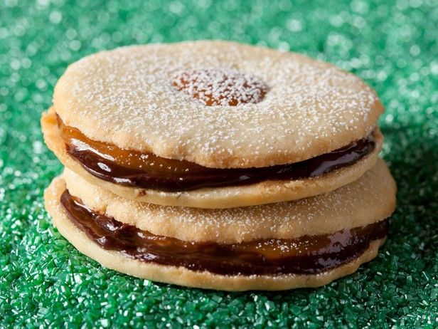 Chocolate and Caramel Shortbread Sandwich Cookies from ...