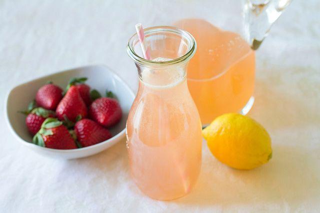 Homemade Strawberry Lemonade | food | Pinterest
