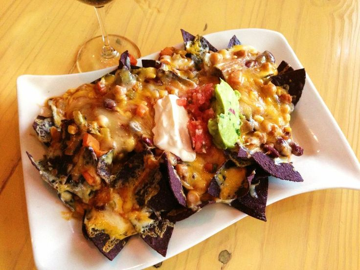Nachos | when extra cheesy is a good thing, with all the fixings ...