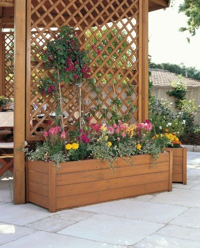 Privacy planter box trellis gardening outdoor retreats for Outdoor privacy screen planter