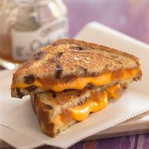 Cinnamon Apple Grilled Cheese Sandwiches | Grilled Cheese Love | Pint ...