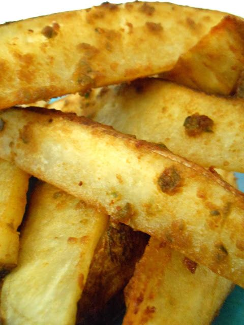 flora foodie: Cheesy Jalapeno Baked Fries