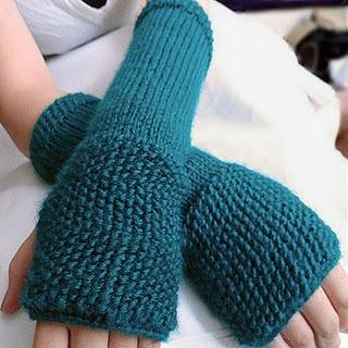 .blogspot.com/2011/11/seeded-finger-less-gloves-pattern.html