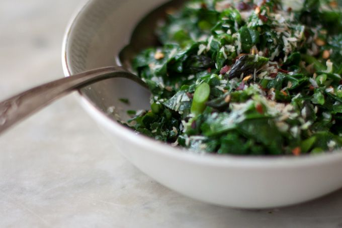 Spiced Coconut Spinach from @Heidi Swanson. Simple and delicious!