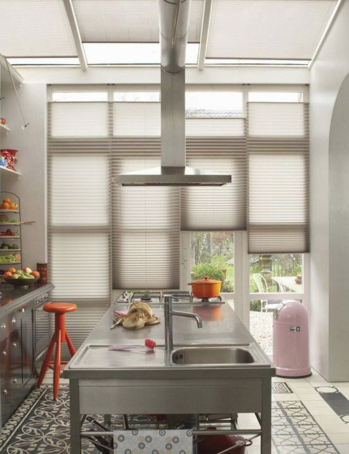 Tips Raambekleding Keuken : Pleated Shades for Van