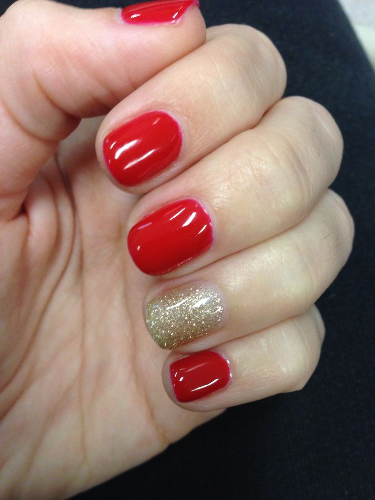 Christmas at home gel manicure