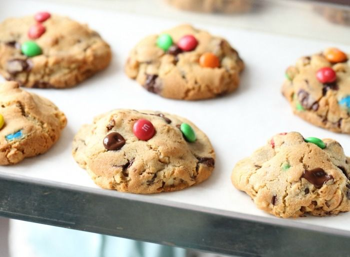 Yummy M&M Cookies by the talented Manuela #m&m #cookies