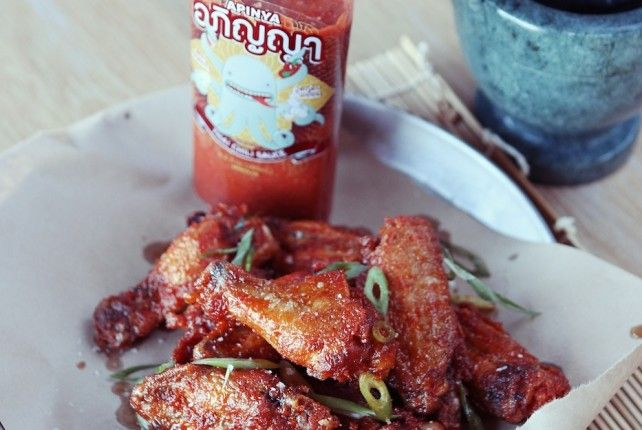 Apinya Thai Chili Wings {Mantry} -- uses that awesome Thais Chili ...