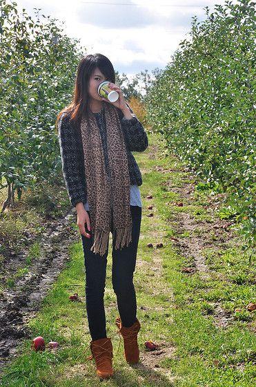 Minnetonka Tramper style in the vineyards