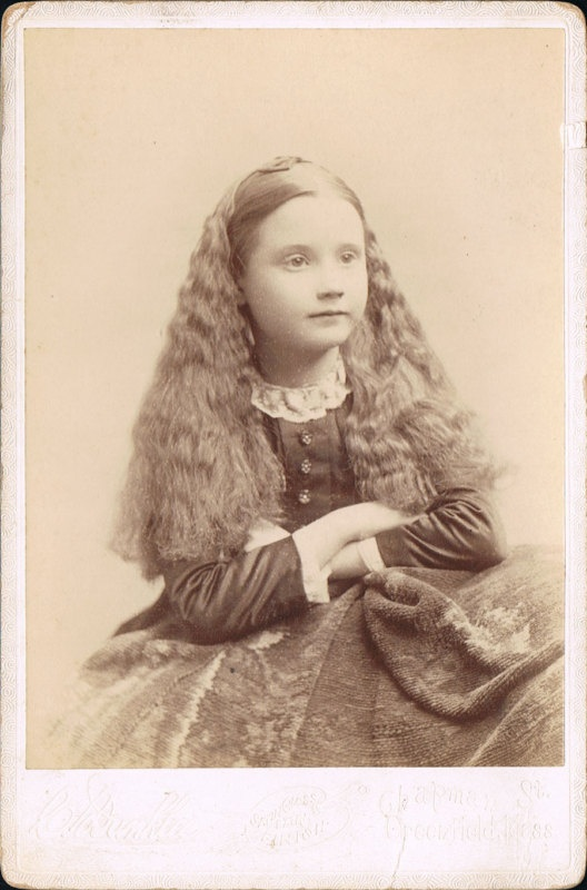 Little girl with long hair | Victorian photography | Pinterest