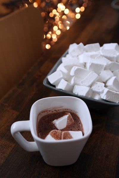 Homemade Marshmallows: I make these as a tradition for Christmas and ...