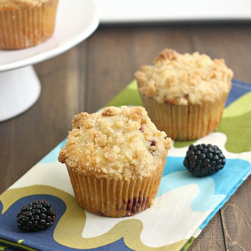 BLACKBERRY CRUMB MUFFINS | Sweets | Pinterest