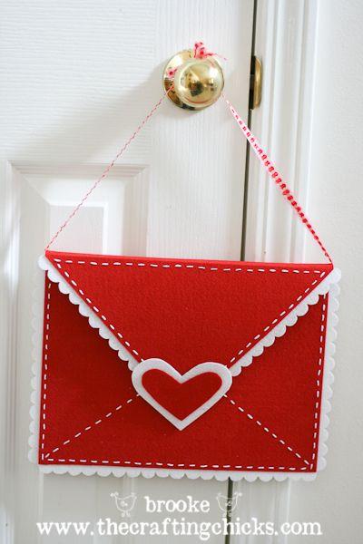 DIY Felt Valentine Envelopes