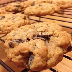 5 Star Cinnamon Raisin Oatmeal Cookies!  (raisins optional ;] )