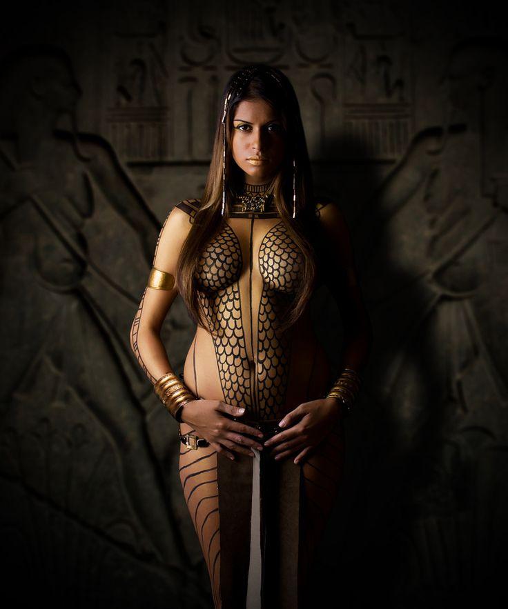 Голые египтянки