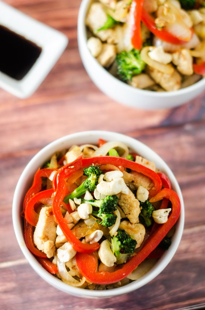 Broccoli, Red Pepper & Chicken Stir Fry with Quinoa