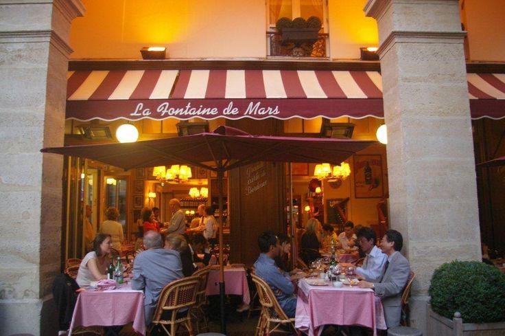 Fontaine de mars restaurant paris pinterest for Restaurant le miroir paris 18