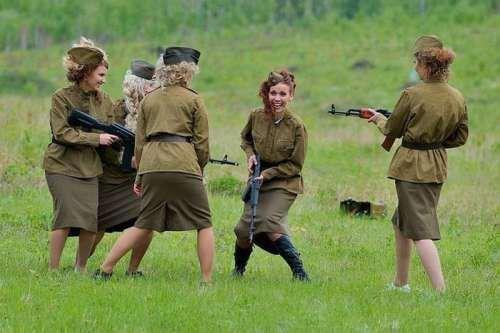 russian girls guns funny pinterest