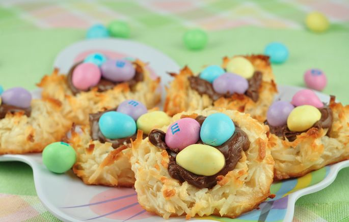 Coconut Macaroon Nutella Nests!   Easter and Spring Desserts and Food ...