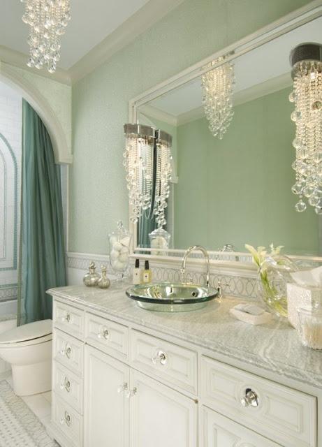 Light green and white bath lovehouse pinterest for Green and white bathroom