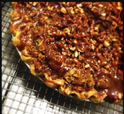 Caramel Apple Pie with Crunchy Pecan Crumble topping