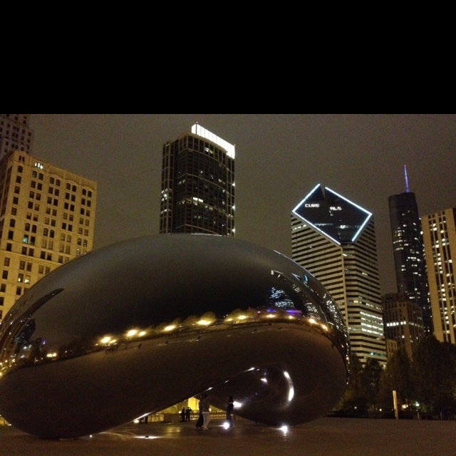 Cloud Gate by Anish Kapoor Chicago