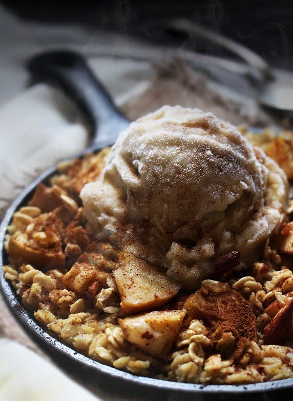 Apple Pie Baked Oatmeal A La Mode | Breakfast | Pinterest