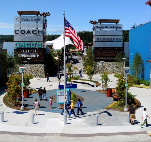 seattle premium outlet july 4th hours