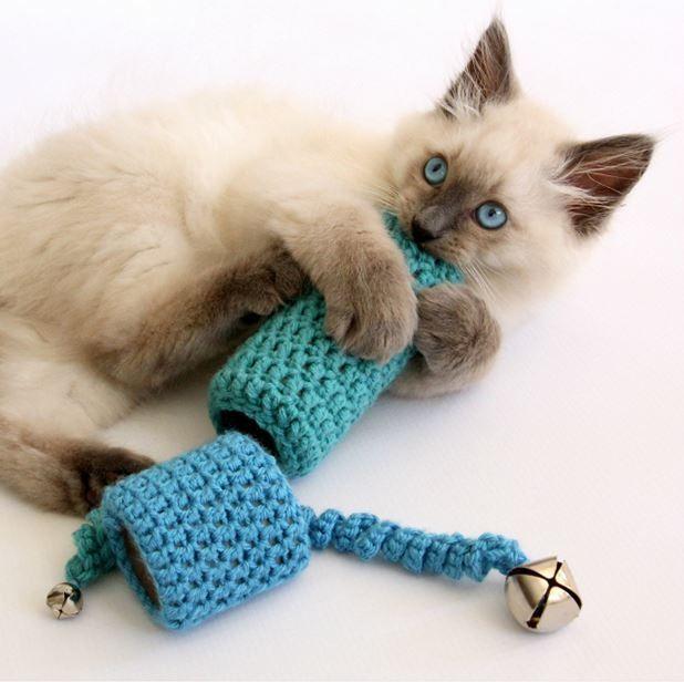 easy to crochet cat toy crochet patterns pinterest