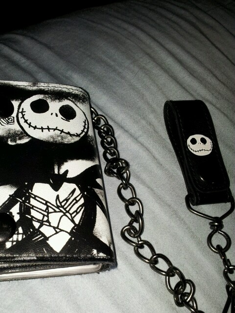 Nightmare Before Christmas wallet | Awesome Wallets | Pinterest
