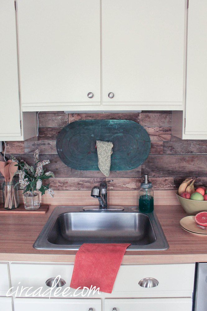 kitchen pallet wood backsplash