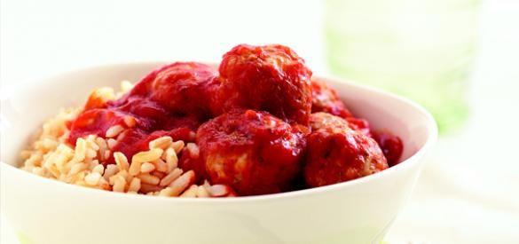 ... key tomato sauce spaghetti with turkey meatballs in spicy tomato sauce