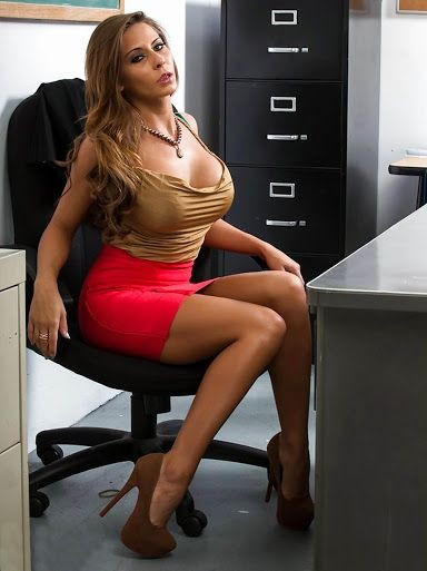 Hot MILF babe Madison Ivy gives a massage and gets ass fucked № 784931  скачать