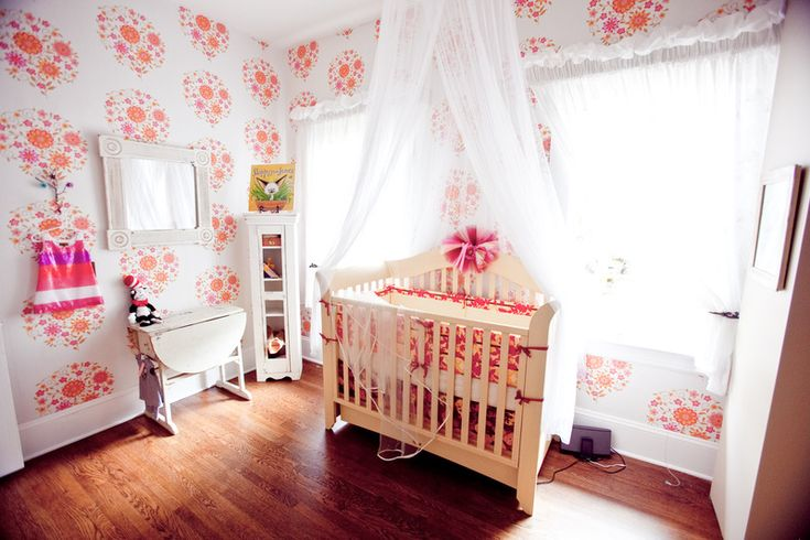 Sweet, whimsical wallpaper for baby girl's nursery - #projectnursery