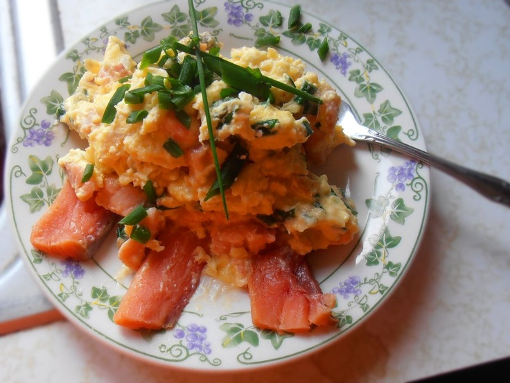 Smoked salmon scrambled eggs, with cream cheese and chives. - 9/9