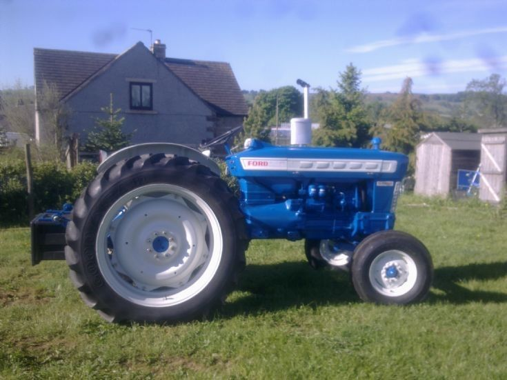 Ford 4000 Plow : Ford  tractor