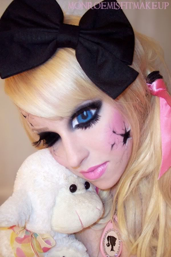 broken doll makeup : Face Painting Inspiration