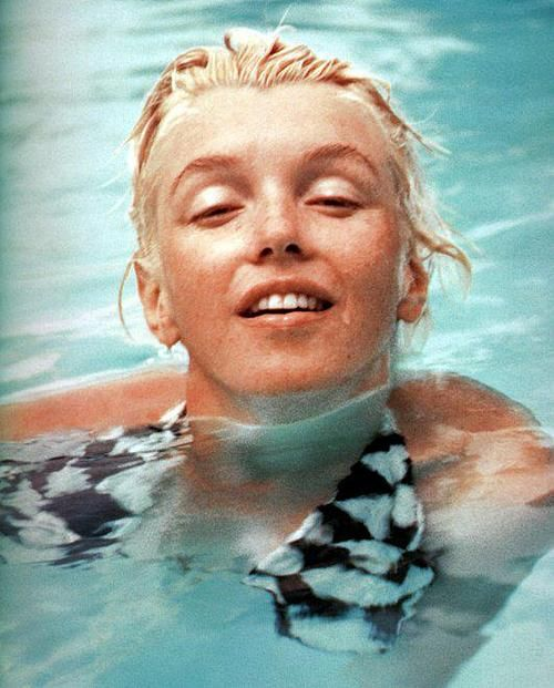 Marilyn Monroe without her makeup and with wet hair--still beautiful!