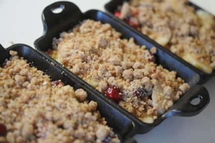 Pear, Cranberry, and Gingersnap Crumble | Sweet Treats | Pinterest