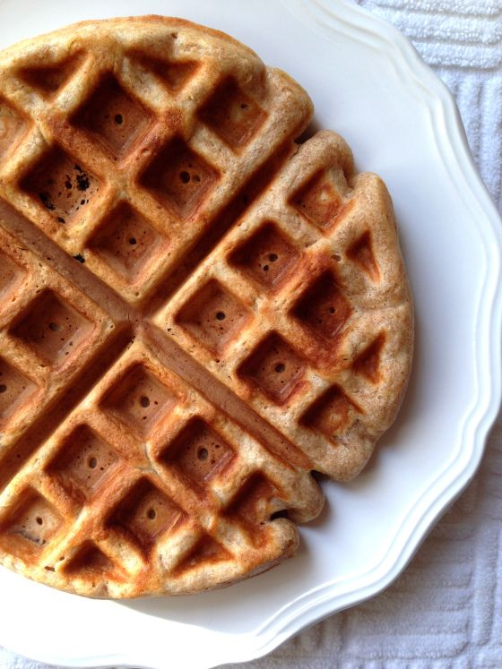 Spelt Flour Waffles || The Dreamery | Fun Food and Snacks | Pinterest