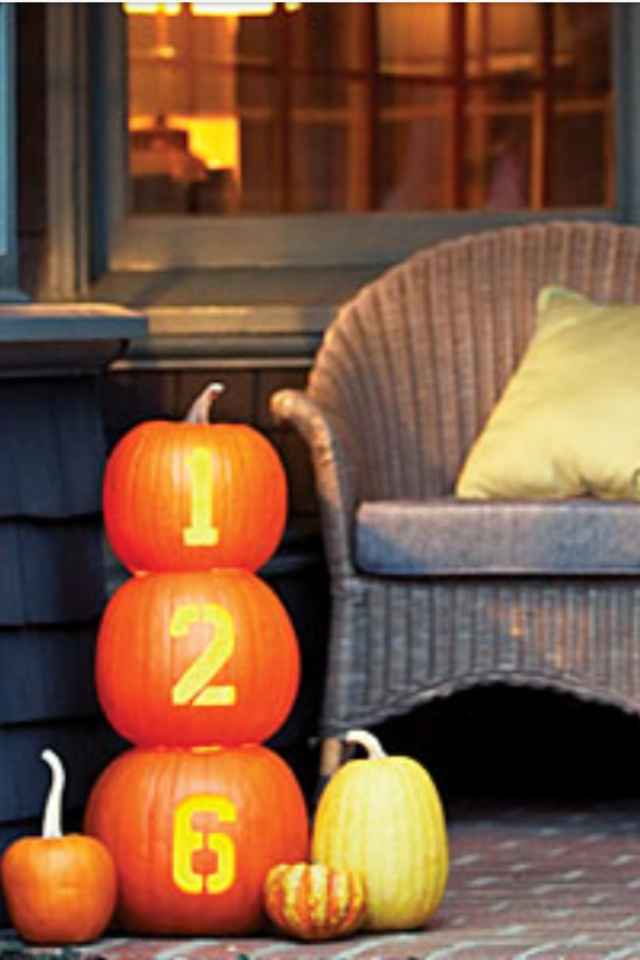 Fall decor - house address ( I would probably take the lazy route and fancily write it with marker ;)