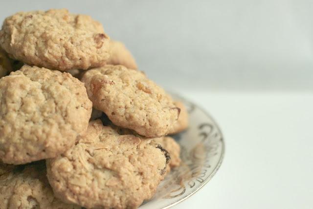 Oatmeal-Apricot Cookies | Cookies | Pinterest