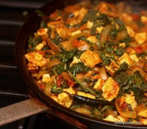 Saag Tofu (or Paneer) with Whole Spices | veggie/vegan indian style i ...