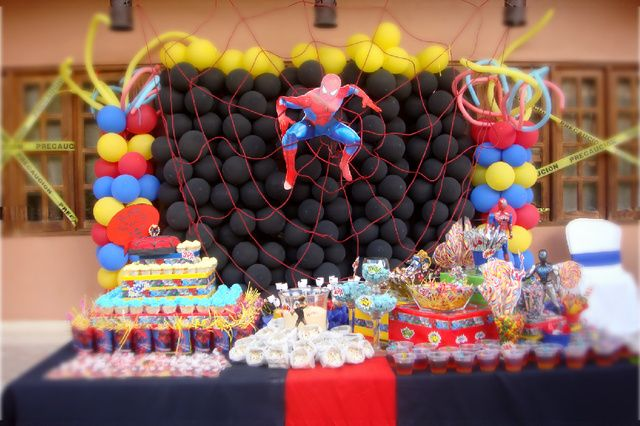 Awesome Spiderman backdrop #spiderman #party #desserttable #backdrop